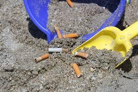 Photo of Sigarette in spiaggia? Rischio multa per tutti i fumatori!