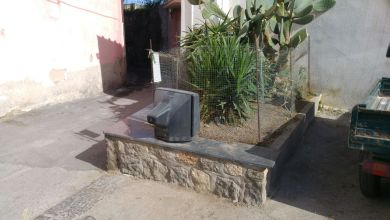 Photo of Cierco, che vergogna: tv abbandonata in un'aiuola