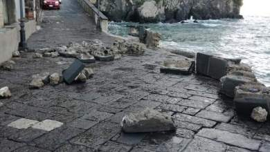 Photo of Ischia Ponte, la mareggiata distrugge il Pontile Aragonese