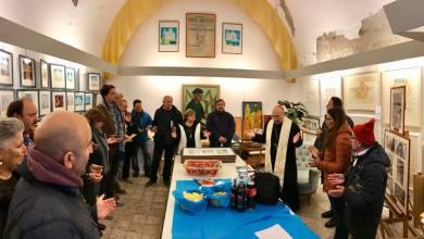 Photo of L'abbraccio del Vescovo Lagnese a tutti gli artisti ischitani