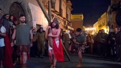 """Photo of La Passione di Cristo fa """"trentuno"""", a Forio giù i veli sull'edizione 2019"""