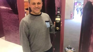 Photo of Vince il titolo di Cantina dell'anno, ma non è presente nel padiglione Campania!