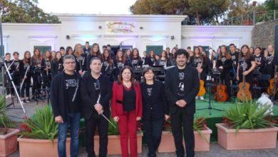 """Photo of Villa Arbusto, standing ovation  per l'IC """"Vincenzo Mennella""""  al saggio musicale di fine anno"""