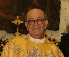Photo of Panza, domani il trigesimo di don Vincenzo Avallone
