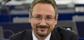 Photo of L'europarlamentare Pedicini con i 5 stelle per la conquista di Casamicciola