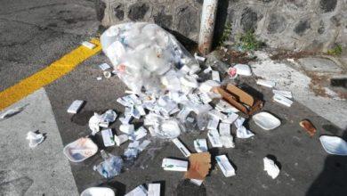Photo of Rifiuti in strada, ma all'Asl la fanno la raccolta differenziata?