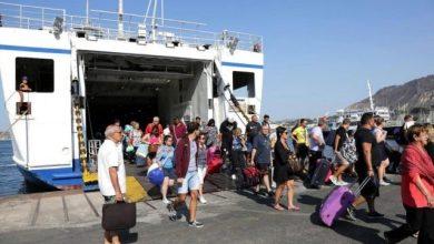 """Photo of Lagnese """"benedice"""" i turisti: «Benvenuto a Ischia, bella da stupire»"""