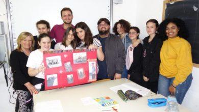 """Photo of """"Herzlich willkommen"""" e """"You're welcome"""",  gli studenti dell'IIS """"C. Mennella"""" intervistano i turisti stranieri"""