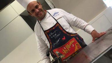 Photo of Gioielli in pentola, arte e cucina in vetrina