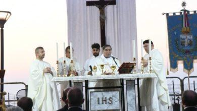 Photo of Una messa, una fiaccolata, un auspicio: «Le ferite del sisma non finiscano nell'oblio»