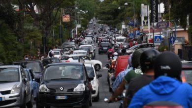 """Photo of LA FOTONOTIZIA Ischia e un traffico da """"mezzogiorno di fuoco"""""""