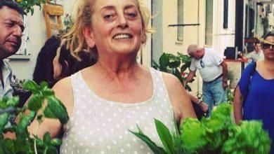 """Photo of Il popolo della borsa verde e della catena alimentare non dimentica  Nunzia Mattera, l'""""eroina"""" del vicoletto fiorito di Casamicciola"""