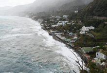 Photo of Maltempo, spazzata via la spiaggia dei Maronti: crolla la terrazza del Zi Bak