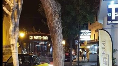 """Photo of Assurdo sul bus Eav: scatta il """"pit stop"""" per comprare le sigarette"""