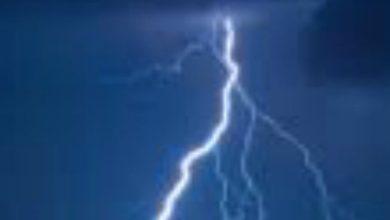 Photo of Risveglio di paura a Ischia, il fulmine sembra un terremoto
