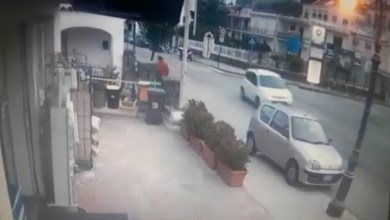 Photo of Paura a Ischia Ponte, auto impazzita invade marciapiede
