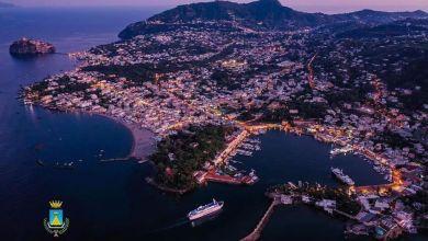 """Photo of Porti chiusi e isola blindata, Ischia si attrezza contro la possibile """"invasione"""" pasquale"""