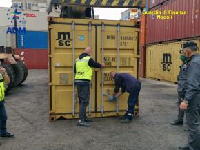 Photo of Sequestrate otto tonnellate di rifiuti speciali al porto di Napoli