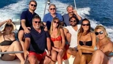 Photo of La Boschi zittisce gli haters: «Non giudicatemi per il giro in barca a Ischia»