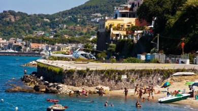 """Photo of Anche ad agosto balneabilità """"eccellente"""" per il mare di Ischia"""