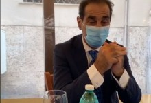 Photo of Pascale torna a parlare a Napoli, resta il tarlo del voto 435