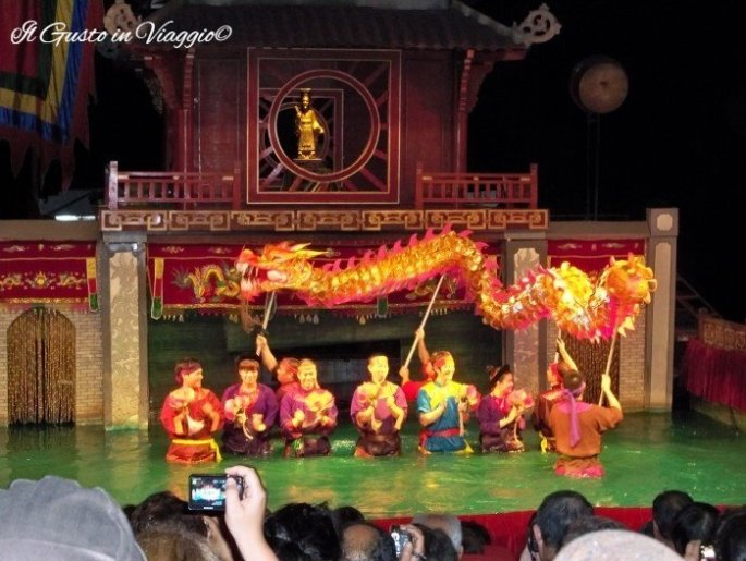 thang long water puppet theatre di hanoi
