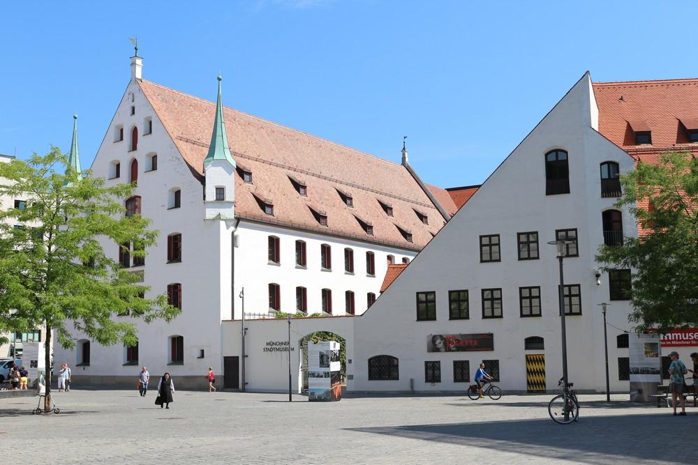 Munich City Museum - München - TracesOfWar.com