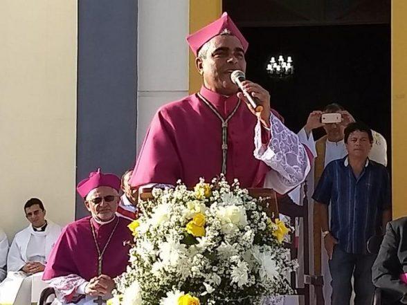 Com multidão nas ruas, Dom Aldemiro é empossado novo bispo de Guarabira 2