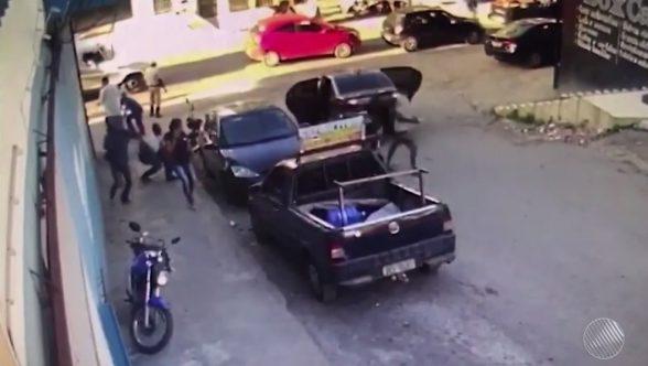 ITABUNA: Funcionário de loja é jogado no chão e tem malote com R$ 100 mil roubado por assaltantes 8