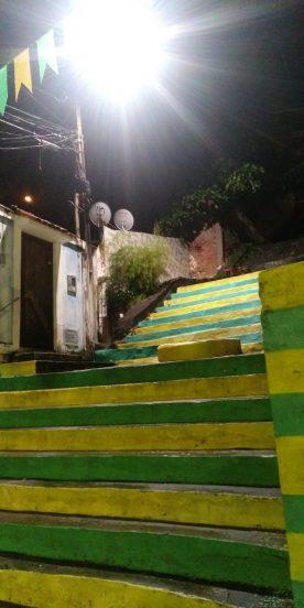 ILHÉUS: Após 3 anos, iluminação é restabelecida na Rua Carneiro da Rocha 3