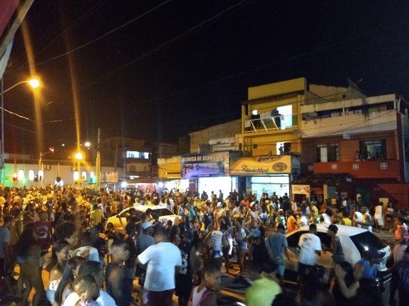 ILHÉUS: Bloco Os Biribanos agitou pré-carnaval no Malhado 3