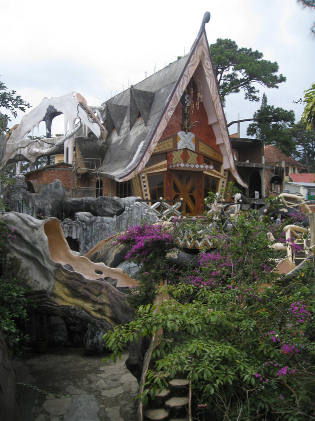 More Strange Houses and Structures | I Like To Waste My Time on Modern:szae7Exnfpq= Amazing Houses  id=95722