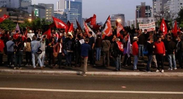 Ato em São Paulo a favor de Lula reuniu apenas 300 pessoas