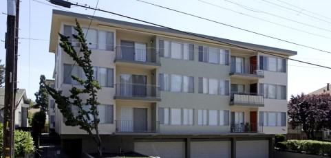 30 Unit Apartment [Sold July 31, 2013]