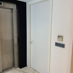 hastane kapısı
