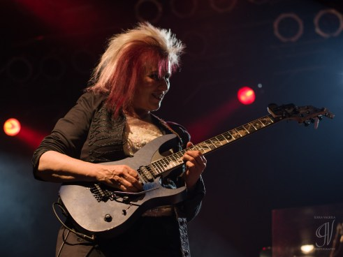 Monstress of Guitar: Jennifer Batten