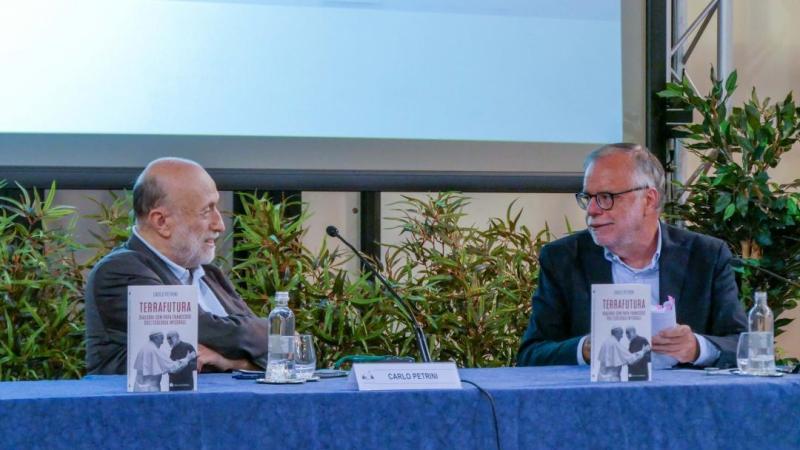 Per una Terrafutura di dialogo e a misura d'uomo: Carlo Petrini presenta i Dialoghi con Papa Francesco al San Gallicano