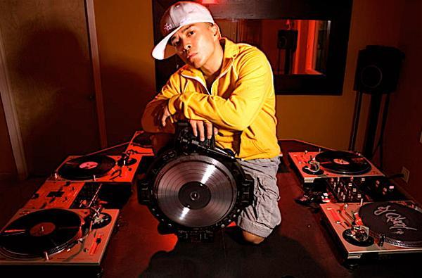 DJ Q-Bert Pays Homage To Jimi Hendrix