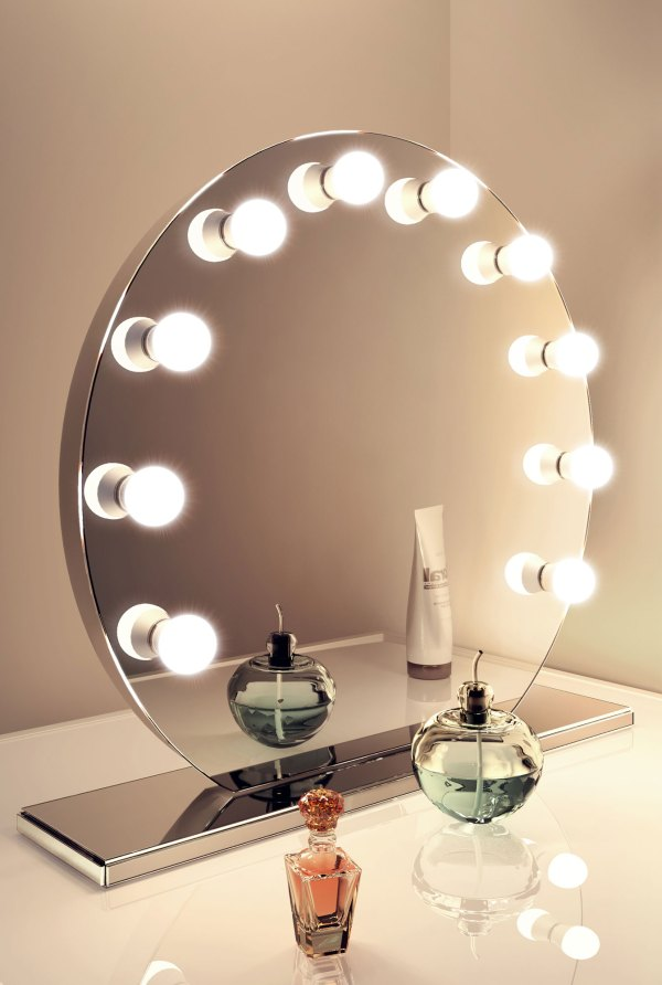 Mirror Finish Hollywood Makeup Mirror with Dimmable lamps ...