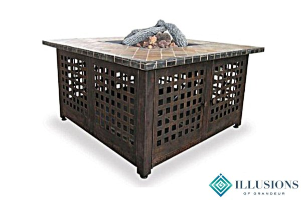 Fire Pit: Tables