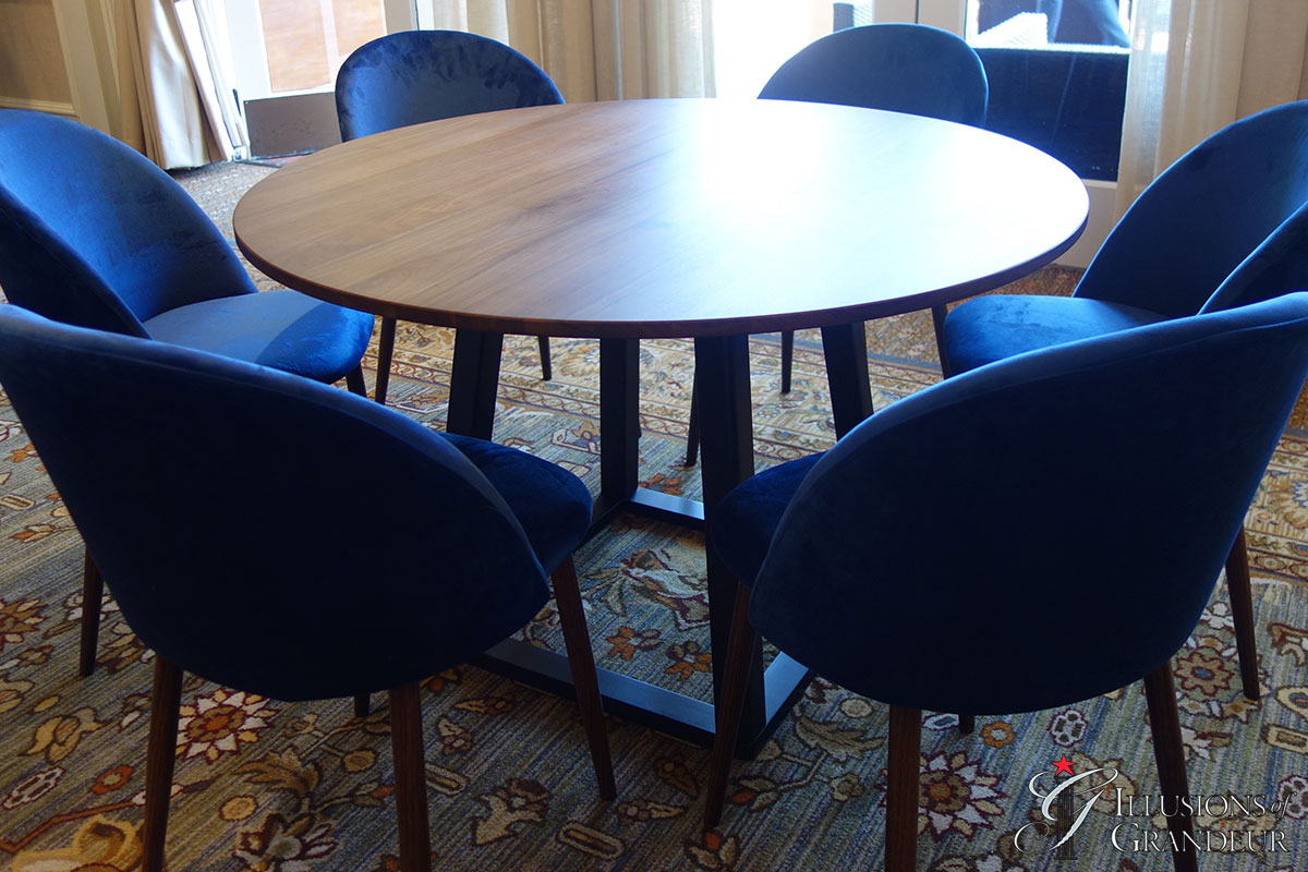 Tri- Mesa Round Dining Tables