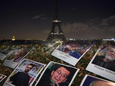 Francia in lutto per i morti di Charlie Hebdo