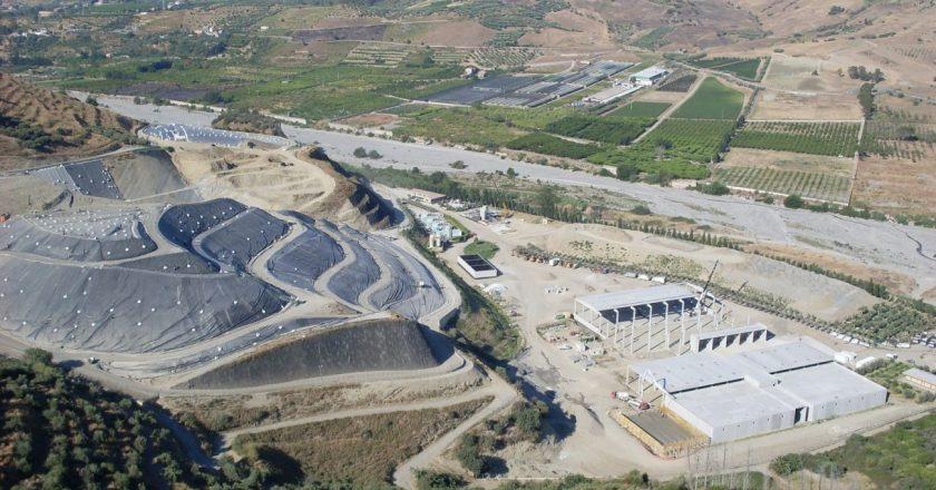 Rifiuti, la discarica di Mazzarrà Sant'Andrea è una bomba ecologica