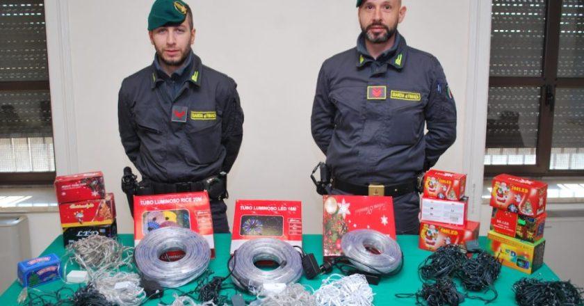 Misterbianco, sequestrati 4 milioni di luminarie natalizie illegali
