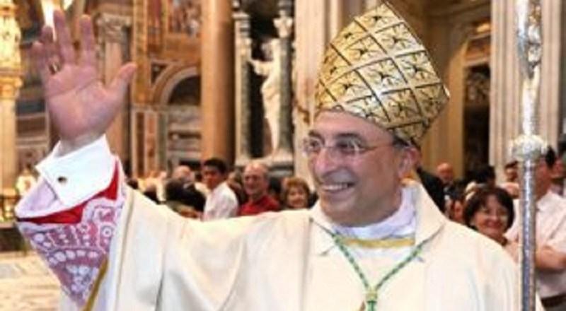 Vescovo di Cefalù contro i piromani: sono fuori dalla Chiesa