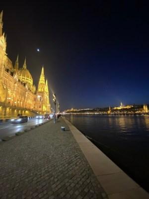 Budapest - lungo Danubio