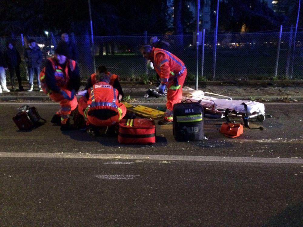 Travolto da un'auto mentre attraversa la strada: morto uomo di Aversa
