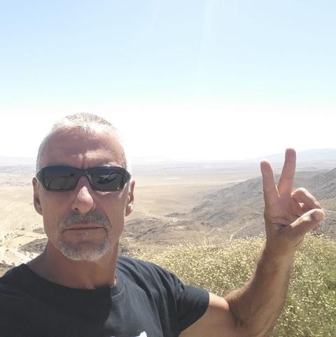 https www ilmessaggero it persone cliff simon morto attore stargate chi era kitesurf news ultime notizie 5826409 html