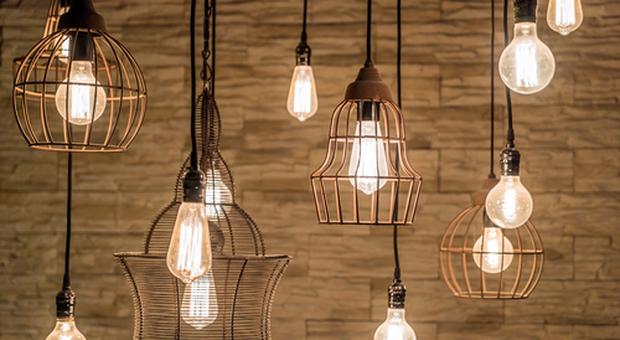 Resistenza dei materiali impiegati, eleganza, efficienza e sicurezza. Lampadari Idee Per Una Casa Di Design E Funzionale