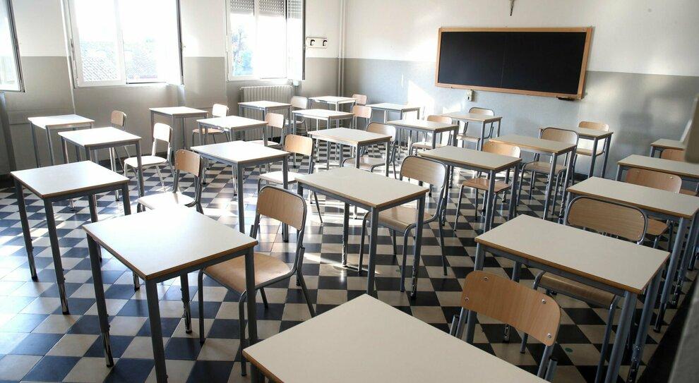 Scuole chiuse, rischio dad per 9 studenti su 10. Dalla Lombardia alla  Puglia, la mappa Regione per Regione
